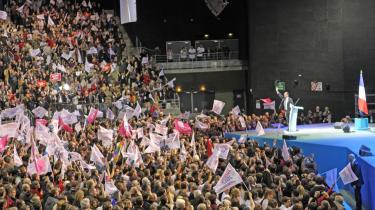 /h4>Det franske socialistpartis François Hollande tiljubles i sin hjemby, Rouen, som en del af hans valgkamp frem mod det franske præsidentvalg, der finder sted den 22. april og den 6. maj.