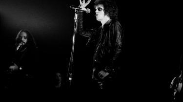 Sindstemning. Lou Reed har ved flere lejligheder gæstet København (på billedet august 1973). Informations rockanmelder Klaus Lynggaard har været på alskens stimulanser til Lou Reed-koncerter: De har gjort ham glad, trist, sur, høj, vred, ekstatisk og skuffet; nogle gange i løbet af den samme aften. Arkiv