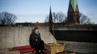 Katrine Skovgaard har en  køkkenhave på taget af Blågårdsskole på Nørrebro i København. Hun er urban bonde og feminist. For Katrine er køkkenhaven og madvarerne en del af hendes politiske og feministiske projekt. Det er en tilbagevenden til en del af feminismen, der har været væk fra ligestillingsdebattens centrum.