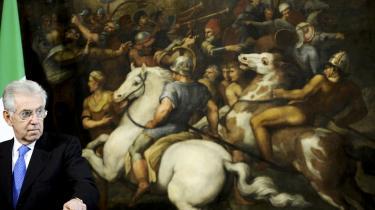 Italiens regeringsleder Mario Monti høster anerkendelse for sin reformiver, men kritikere mener, at han mangler en vision, hvad angår det europæiske samarbejde. Her er Monti fotograferet foran  et maleri i Roms Palazzo Chigi.