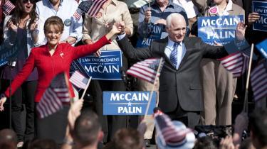 Er Sarah Palin psykisk ustabil? Det antyder filmen 'Game Change', der lørdag aften blev vist på amerikansk tv. Den handler om Sarah Palins rolle som John McCains vicepræsidentkandidat op til præsidentvalget i 2008