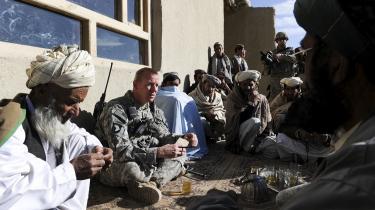 Modstanden mod krigen i Afghanistan er steget i den amerikanske befolkning de senere år, blandt andet fordi det er opfattelsen, at afghanerne ikke ønsker dem der. Men de fleste afghanere ønsker stadig beskyttelse mod krigsherrer og Taleban, mener Thomas Ruttig fra Afghan Analyst Network i Kabul.