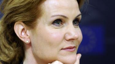 Helle Thorning-Schmidt (S) har tørret ansvar om åbenhed af på justitsministeren, selv om hun lovede at tage det samme ansvar som sin forgænger Lars Løkke.