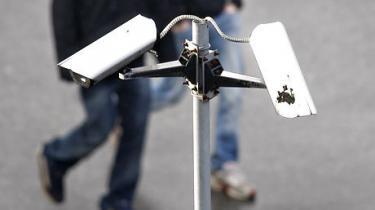 I modsætning til i Danmark er det i Norge lovpligtigt at registrere sin videoovervågning hos en central myndighed. Det betyder, at nordmændene har bedre mulighed for at kontrollere, om de, der videoovervåger andre, selv overholder reglerne. Men der er stadig plads til forbedringer, påpeger det norske datatilsyn