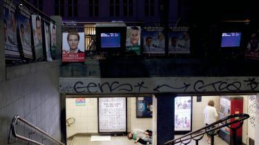 Hundredtusindvis af rejsende benytter dagligt Nørreport Station. Ny fotobog viser os,  når vi kommer, går eller bare venter. Sammen, men ofte alene i mylderet