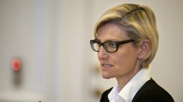 Det er fuldstændigt uspiseligt, at man diskriminerer mellem, om man er medlem af en a-kasse eller ej. Det vil vi ikke være med til,« siger Venstres arbejdsmarkedsordfører Ulla Tørnæs.