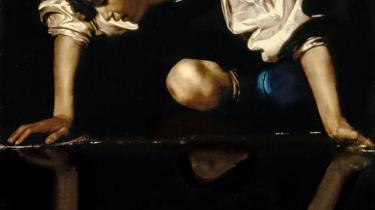 Caravaggios maleri af den mytologiske græske figur Narcissus, ca. 1597-99. Massemorderen Breivik er ofte blevet beskrevet som netop narcissist af psykologerne omkring den mediebevågede norske retssag.