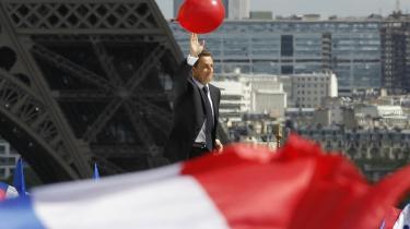 Folkets mand. Begge kandidater – her den siddende præsident Sarkozy – påberåber sig folket. Men pointen er at de begge vil regerere i stedet for folket, siger Jacques Rancière.