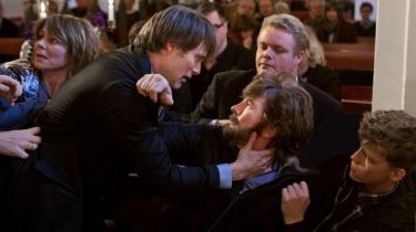Thomas Vinterberg sætter ikke mange fødder forkert i sin medrivende nye film, 'Jagten', et betimeligt drama om forfølgelsen af en uskyldig mand, der deltager i hovedkonkurrencen på årets filmfestival i Cannes og lørdag aften blev vist for pressen
