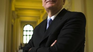 Tomislav Nikolic, Serbiens nye præsident, har tidligere sagt, at han hellere vil se Serbien som en provins i Rusland end som medlem af EU, om end han siden har erklæret sig som tilhænger af serbisk medlemskab af EU.