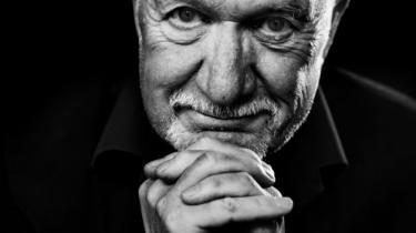 Den succesfulde dramachef Ingolf Gabold har læst manuskriptet til 'MGP Missionen' og vurderer, at den vil blive en 'kæmpemæssig publikumssucces' – ikke mindst i provinsen. Han har svært ved at forstå Filminstituttets afslag: 'Der er både MGP, X-faktor og morsomme replikker', siger han