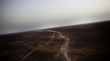 Taleban eksisterer fortsat et sted derude. Men ifølge den danske operationschef, major Uffe Pedersen, minder de tilbageværende mest om 'en motorcykelbande fra Tølløse, der kommer drønende ned gennem Helmand-dalen på deres motorcykler for at afpresse og terrorisere de lokale opiumbønder'.