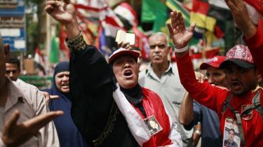 På Tahrir-pladsen i Kairo var der i går demonstrationer mod Ahmed Shafiq, Mubarak-styrets sidste premierminister, der ser ud til at gå videre til anden runde af præsidentvalget.