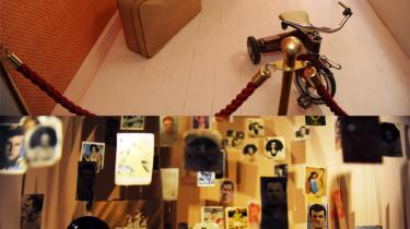 Samling. Kemal er forelsket i Füsun, og undervejs i fortællingen samler han ting fra hendes liv. Det er disse ting, der i dag kan opleves på museet i Cukurcuma.