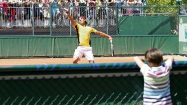 Spanske Rafael Nadal jagter sin syvende sejr ved de åbne franske mesterskaber i Paris. Deres udsendte medarbejder jagter en forståelse af den bedste grusbanespiller, verden nogensinde har set