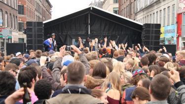 Gadefesterne er fortsat Distortions rette element. Den rå og brølende forvrængning klæder festivalen bedre end det etablerede.