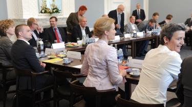 Som startskud på forhandlingerne om en trepartsaftale holdt regeringen pressemøde i Statsministeriet med forhandlingsparterne torsdag den 24. maj.