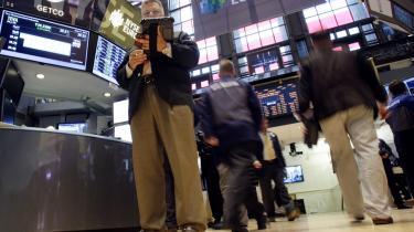 Både på Wall Street og i Det Hvide Hus er der stigende bekymring for, at krisen i Europa skal kvæle de spæde tegn på bedring i den amerikanske økonomi.