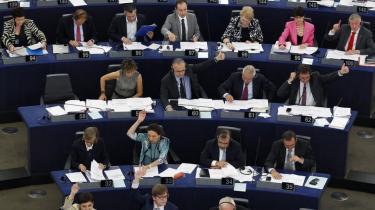 EU-parlamentarikere gør ret i at protestere mod dansk EU-formandskab, der ikke holder sig til Lissabon-traktatens spilleregler. Sådan lyder vurdering fra tyske EU-eksperter, der betegner opråbet til boykot som en alvorlig situation