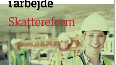 /h4> Damen på forsiden af 'Danmark i arbejde' er rollemodellen på omslaget af regeringens forslag til en skattereform og symboliserer den målsætning, der fra starten lå klar. Reformen skal på en gang få flere mennesker ud i arbejde, mens dem der allerede er på arbejdsmarkedet skal arbejde noget mere.