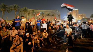 Tusindvis af egyptere demonstrerede i sidste uge mod militærstyret på Tahrir-pladsen i Kairo og krævede samtidig resultatet af præsidentvalget. Svaret kom søndag, da Egyptens valgkommission udråbte Mohamed Mursi fra Det Muslimske Broderskab til landets nye leder.