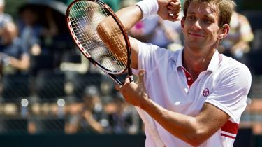 For første gang i 25 år har en dansker spillet sig frem til kvartfinalen ved Wimbledon – og det er gjort med glæde