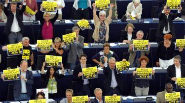 Den kontroversielle handelsaftale er for kort tid siden blev nedstemt af et flertal i EU-parlamentet