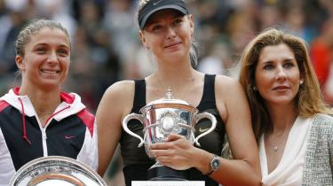 I tennisverdenen er ligeløn ikke altid lige populært. For når nu resten af verden er sexistisk, burde det vel også afspejle sig i lønchecken?