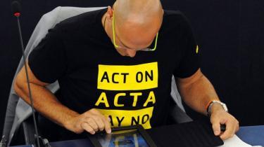 Selv om ACTA ikke bliver til noget inden for EU's grænser, vil kommissionen fortsætte kampen for en global aftale. Parlamentet er åben for at genforhandle på visse betingelser. Ekspert er positiv stemt