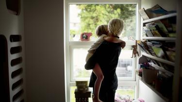 Da Anne var gravid med sit første barn, forværrede hun drastisk sine cyster i nyren. Det betyder, at hun ikke selv kan føde en søster eller bror til sin nu fireårige datter. Og derfor leder hun og kæresten nu efter en rugemor, der kan hjælpe dem til at nå drømmen om endnu et barn.