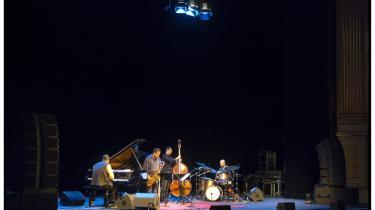 For jazzfeinschmeckere samler interessen sig ofte om, hvilke store navne Copenhagenn Jazz Festival kan tiltrækker som her Wayne Shorter Quartet. Men også når det gælder jazz, kan man finde store oplevelser i de mindre arrangementer.