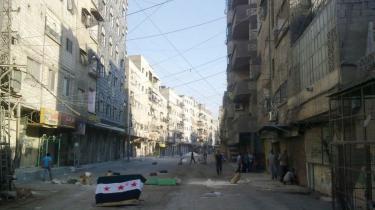 Røde Kors erklærede i går officielt, at Syrien nu er i borgerkrig ifølge Geneve-konventionernes kriterier, hvilket kan betyde retslige repressalier mod regimet