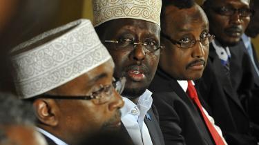 En ny FN-rapport bekylder ledende skikkelser i Somalias overgangsregering for omfattende korruption og bedrageri. Her ses fra venstre formand for parlamentet Sharif Hassan, præsident Sheikh Sharif og premierminister Abdiweli Mohamed Ali til et møde i Kenyas hovedstad i