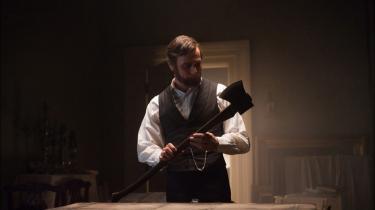 3D-actiondramaet 'Abraham Lincoln: Vampire Hunter' slipper forbavsende heldigt fra at forene tosset sommerfilm-eskapisme med en af USA's mest elskede historiske skikkelser.
