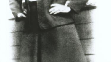 Henrietta Lacks nåede at føde fem børn, inden hun som 31-årig døde af livmorhalskræft i oktober 1951. Før Lacks døde, tog lægerne celleprøver fra hendes tumor, og cellerne har siden vist sig uvurderlige for lægevidenskaben.