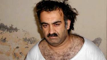Entreprenøren. Khalid Sheik Mohammed umiddelbart efter tifangetagelsen i Pakistan i 2003. Først nu - ni år efter - kan der tegnes et nogenlunde dækkende billede af mandens liv.