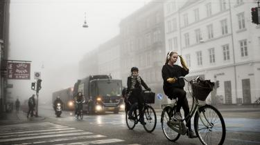 Fremtidens pendler bør have mange kombinationsmuligheder, skriver dagens kronikører. De færreste af os er endimensionale fodgængere, bilister, cyklister, tog- eller buspassagerer. Vi benytter en cocktail af transportformer, og i fremtiden vil vi i stigende grad forsøge at maksimere vores egen mobilitet. Fremtidens pendler er det, man med et nyt ord kan kalde mobilist.