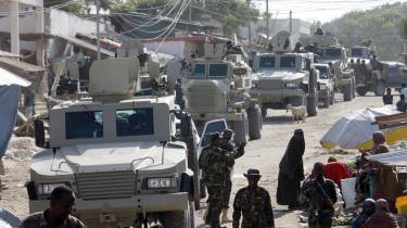 Den Afrikanske Unions styrker patruljerer gaderne i Merka, 90 kilometer nord for Mogadishu, den somaliske hovedstad, som al-Shaabab kontrollerede for blot et år siden.