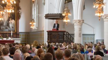 Tro: Det er ikke rationelt at tro, siger Jørgen Leth, og pointerer, at det uperfekte menneske netop ikke er rationelt. Han er den sidste forfatter på prædikestolen i en række af 16 i Sankt Jakobs Kirke på Østerbro