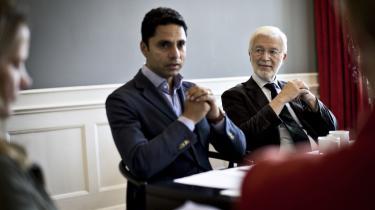 Kirkeminister Manu Sareen (R) med Hans Gammeltoft-Hansen, som er indsat som formand for det udvalg, der skal komme med forslag til en mere sammenhængende og moderne styringsstruktur for folkekirken.