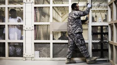 I amerikanernes fængsel i Bagram i Afghanistan beholder USA de fanger, som de ikke tør overlade til afghanerne.