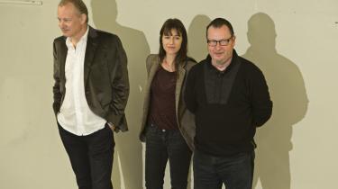 Lars von Trier stillede kun op til fotografering, og overlod pressemødet til Stellan Skarsgård og Charlotte Gainsbourg.