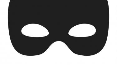 Såvel danske som internationale forfattere udgiver kriminalromaner og erotiske romaner under pseudonym for tiden. Er der tale om pikant maskespil, eller er det blot en vellykket markedsføringsstrategi?