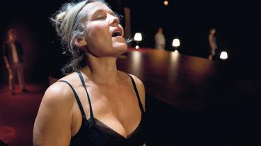68-generationen er på vej over tærsklen til alderdom, og hvorfor skulle de pludselig blive puritanere? Og Margrethe Kähler, seniorkonsulent i Ældre Sagen, mener, at fordommene om, at ældre ikke har sex er så småt ved at være en saga blot.