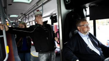 Stigende arbejdspres og manglende fællesskab i dagligdagen gør det sværere at overbevise de uorganiserede om, at de skal melde sig ind i fagforeningen, siger tillidsmand og buschauffør i Aarhus Sporveje Peter Frentz.