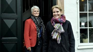 Statsminister Helle Thorning-Schmidt (S) havde i går besøg af SF's nye formand, Annette Vilhelmsen, i Marienborg. Her fik de blandt andet selskab af tidligere SF-formand Holger K. Nielsen, som ventes at få en ministerpost ved den forestående ministerrokade.