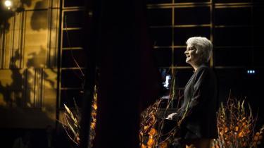 Hverken socialdemokrater eller radikale er fornøjede med ideen, men SF's nye formand, Annette Vilhelmsen, mener godt, det kan lade sig gøre at profilere folkesocialisterne mere markant i regeringen