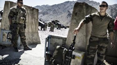Imens forhandlingsprocesser med Taliban synes skrinlagt, er det vindue, Vesten og den afghanske regering har til at få en aftale på plads, hastigt ved at lukke sig, advarer flere eksperter.