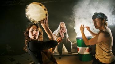 Susanne Storm danser Sheherazades vilde historier, så kærligheden vinder over hævnen i '1001 Nat' på Teatret Zeppelin.