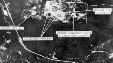 Et luftfoto af en missilbase på Cuba taget af amerikanerne i oktober 1962. Mandag den 22. oktober kundgjorde USA's præsident Kennedy i en tv-tale, at USA ikke kunne acceptere russiske offensive raketter på Cuba.